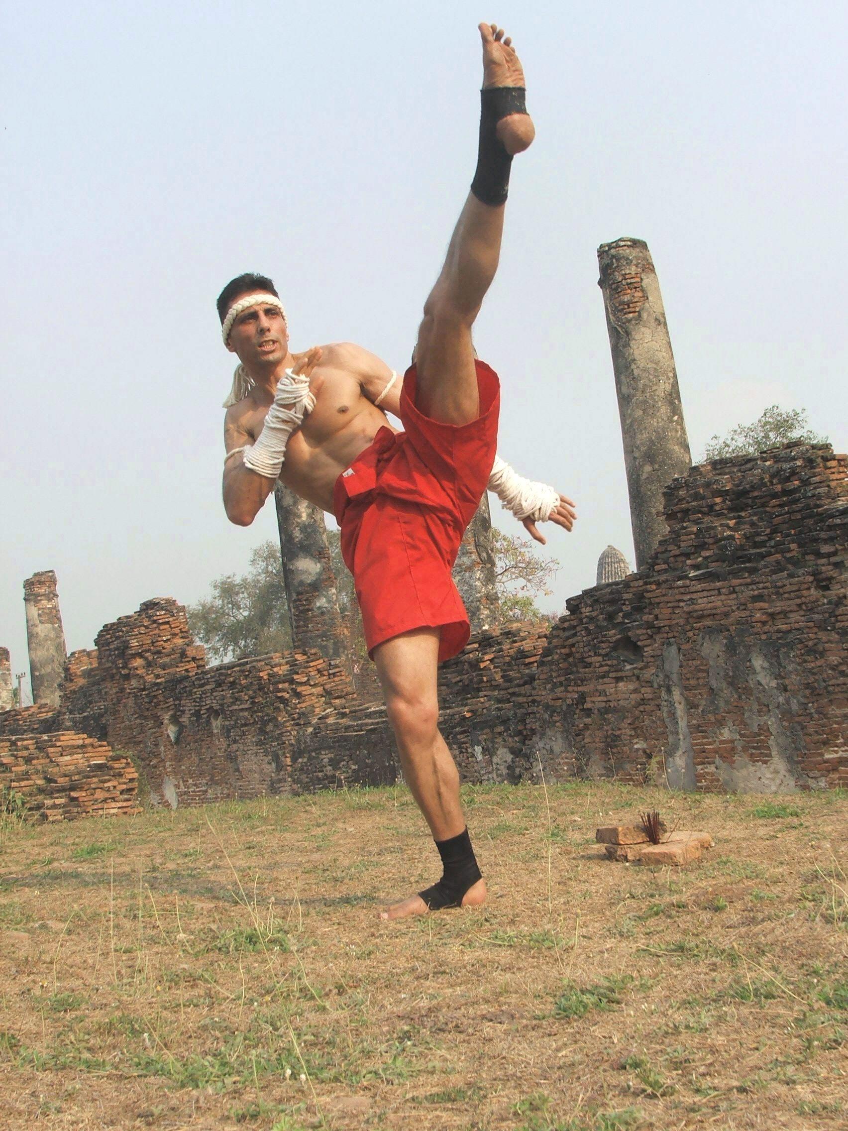 Muay Thai Angle Kick 82
